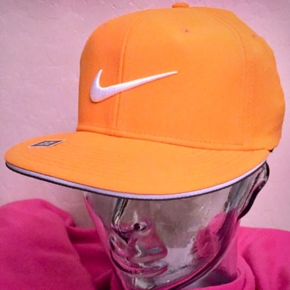 Nike Accessories - 🆕 ONLY 1! Nike Golf Adult Unisex Cap